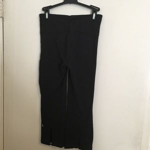 Lululemon Black Crop Stretch Pants Size 4